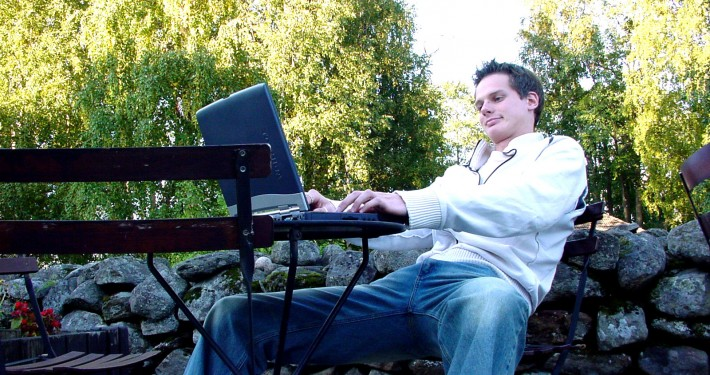guy-with-laptop-1240273